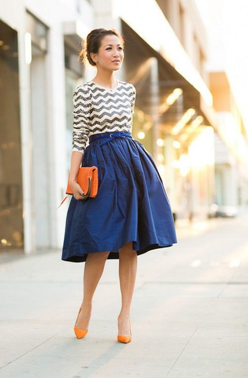 Blue-Midi-Skirt-Outfit-for-Women